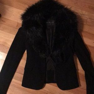 RACHEL ZOE DETACHABLE FAUX FUR BLAZER.